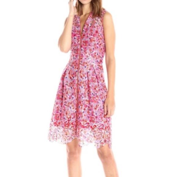 T Tahari Dresses & Skirts - New Tahari Talika Lace Pleated zip cocktail dress